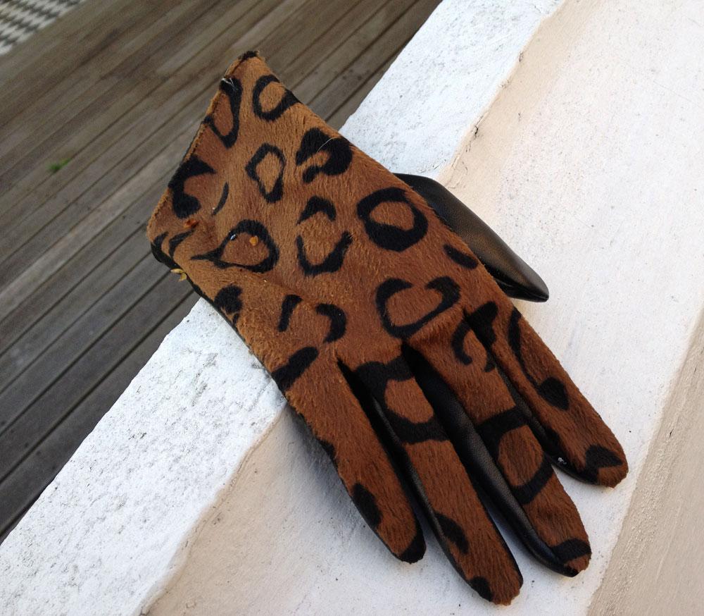 Leopard Print Glove